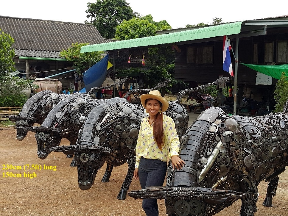 02-Metal-Bull-Statues-Namfon-Suktawee-Animals-Art-made-by-Upcycling-Scrap-Metal-in-Thailand-www-designstack-co