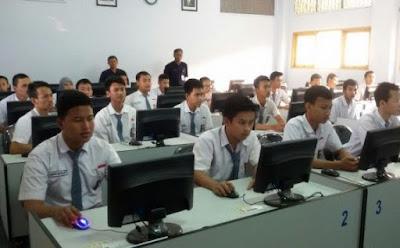 Image result for peserta ujian nasional perbaikan