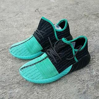Sepatu Adidas Yezzy Terbaru Sepatu Sneakers Paling Laris Tahun Ini Tersedia Dengan Harga Super Murah Buruan Di Order Sebelum Stock Kehabisan