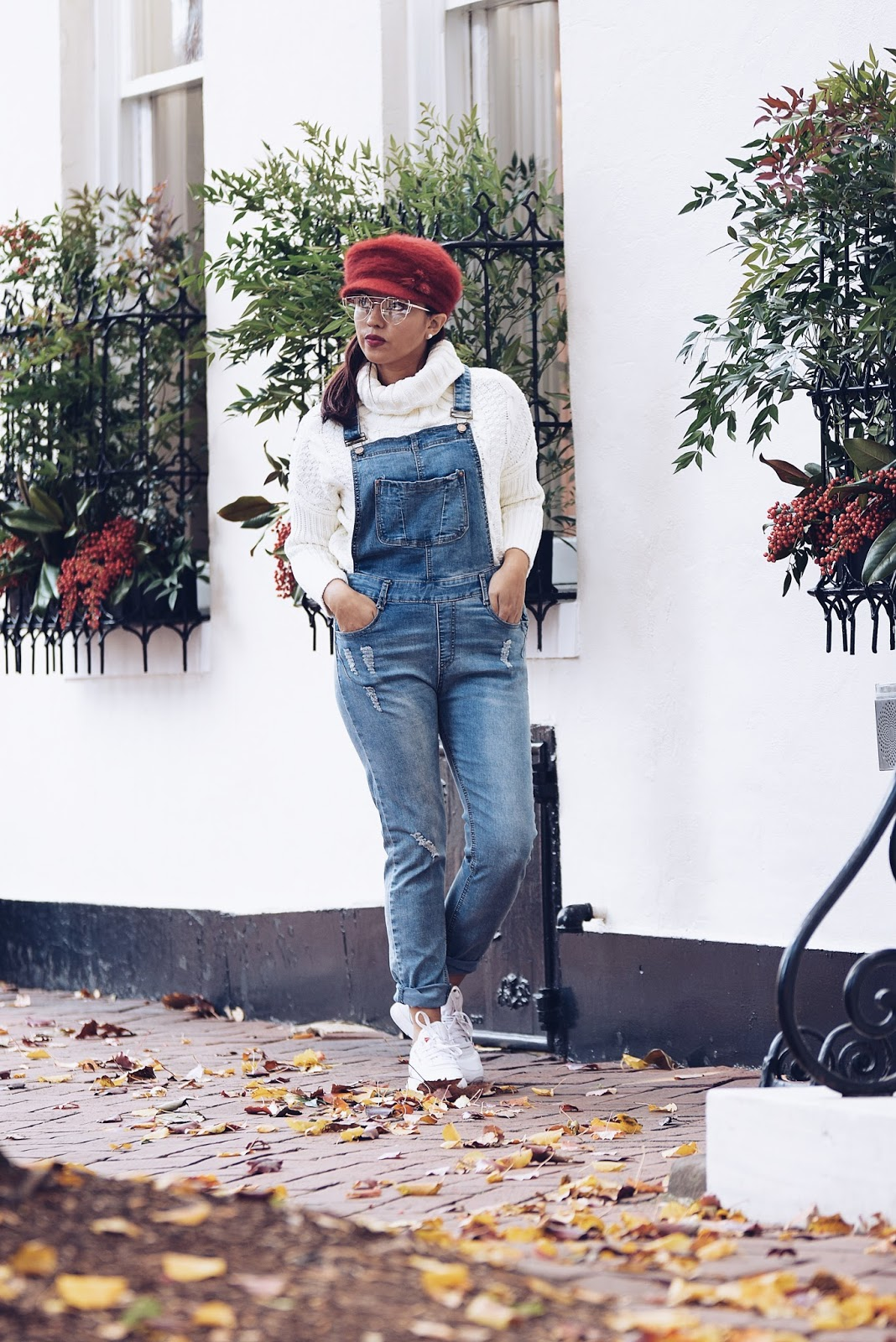 Wearing: Red Cap: TwinkleDeals Overall: SheIn Sweater: SheIn Shoes: Reebok Classic