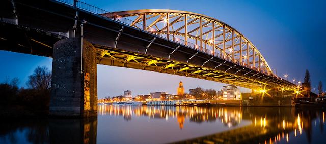 Viagem de trem de Amsterdã à Arnhem