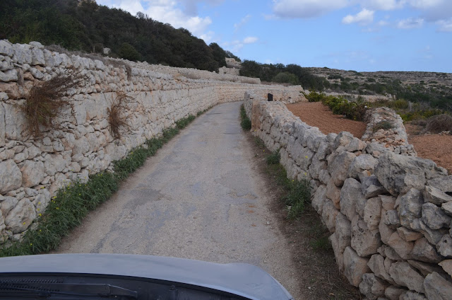Estrada para Selmun Beach