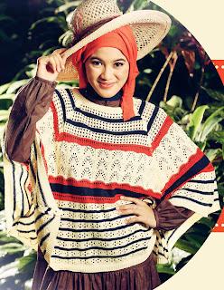 Alyyssa soebandono pakai hijab naitral dengan baju rajutan