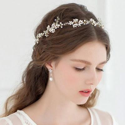 Hoa cài tóc cô dâu cho vẻ đẹp thuần khiết