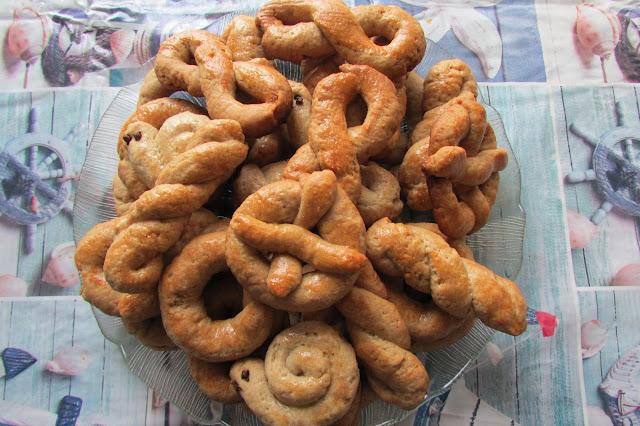 Greckie ciastka wielkanocne koulourakia