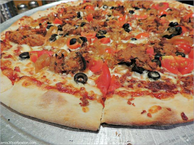 Ruta Gastronómica por Salem: Pizzas en Flying Saucer Pizza