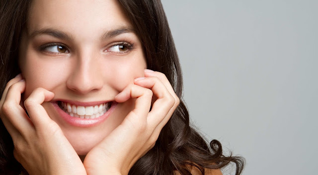 Selain Terlihat Indah, Ternyata Senyuman Juga Punya Dampak Kesehatan yang Luar Biasa!