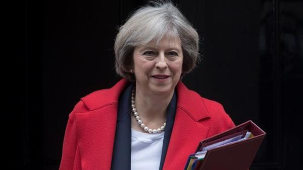 """Theresa May """"preocupada"""" por futuras negociaciones del brexit"""