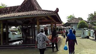 Makam Syekh Jangkung Saridin Pati