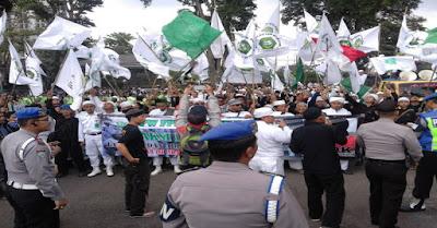 Waduh Jika Ahok Tak Kunjung Diperiksa, Massa Islam Dari Jabar Ancam Akan Duduki Jakarta - Commando