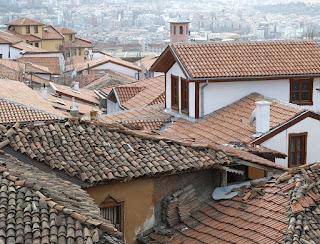Cara Mengatasi Atap Genteng Tanah Liat yang Rembes