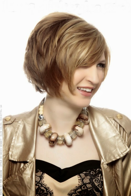 Shag-Hairstyle-with-Dimension-and-Highlights