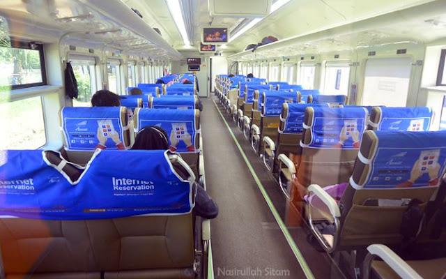 Salah satu gerbong kereta Wijayakusuma Jogja - Cilacap