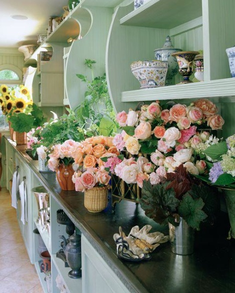 Colorful Rooms Moss: Hydrangea Hill Cottage: Charlotte Moss