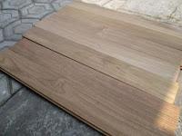 Contoh lantai kayu solid