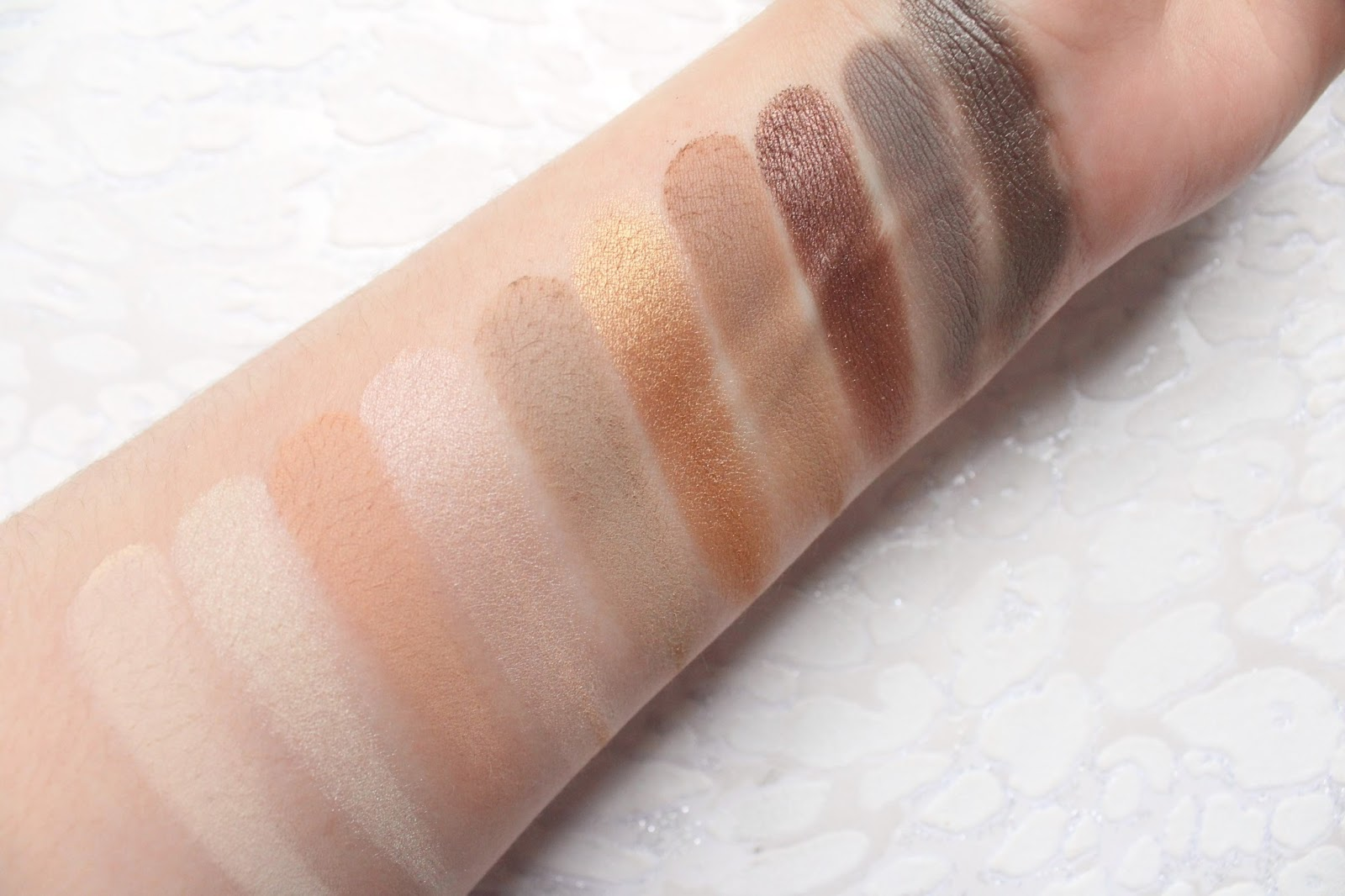Zoeva Basic Moment Collection Swatches