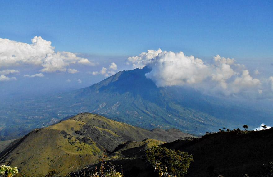 Wisata Pendakian Gunung Merbabu di Jawa Tengah