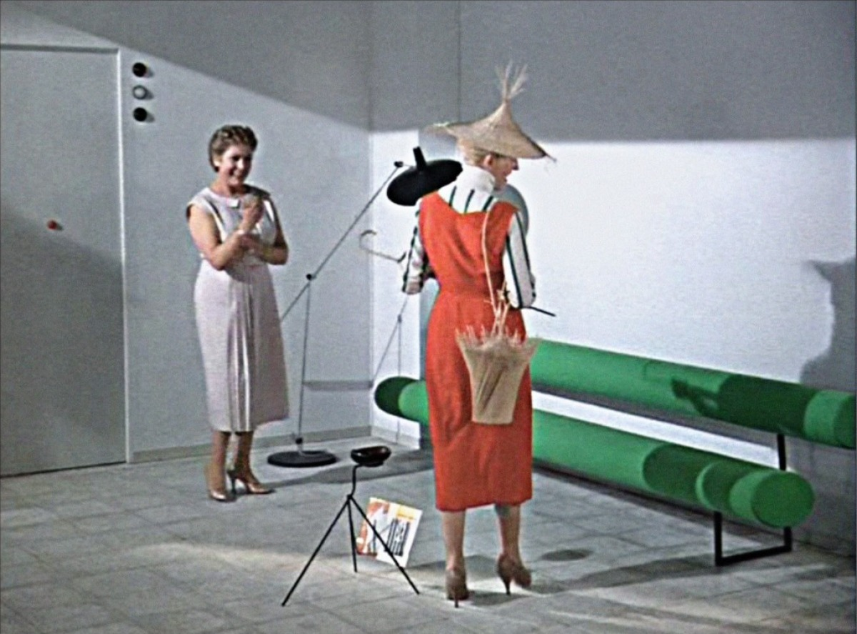 sculpted in time mon oncle jacques tati 1958. Black Bedroom Furniture Sets. Home Design Ideas