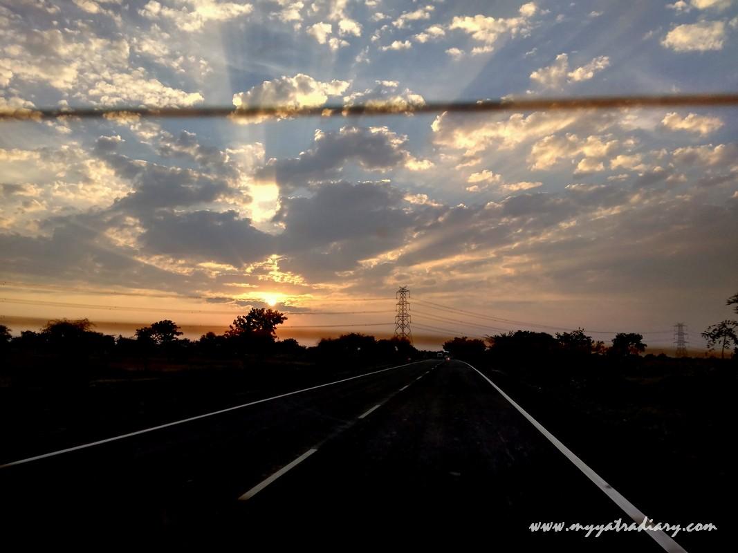 Sunset on the Mumbai to Nashik-Shirdi highway