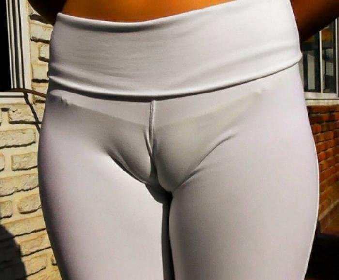 Sweatpant cameltoe — photo 12