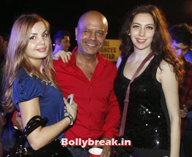 Eshmi Naved Jaffrey With Sarah, Page 3 Babes at Sunburn Arena DJ AVICII Concert