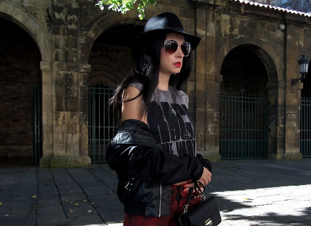 fashion, moda, look, outfit, blog, blogger, walking, penny, lane, streetstyle, style, estilo, trendy, rock, boho, chic, cool, casual, ropa, cloth, garment, inspiration, fashionblogger, art, photo, photograph, Avilés, asturias, zara, bershka, jeans, bomber, hat,