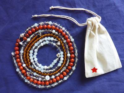 Perlenketten mit Verschenkbeutel