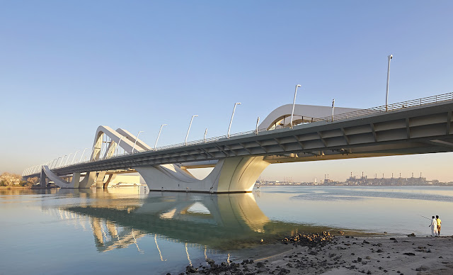 8. Sheikh Zayed Bridge (2007–2010) di Abu Dhabi, Arab Saudi