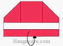 Bước 5: Gấp cạnh giấy về phía mặt sau.