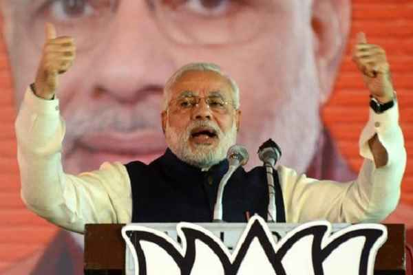 why-pm-narendra-modi-become-weak-on-social-media-facebook