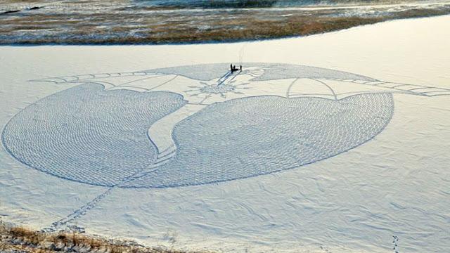 Obras artísticas en la nieve