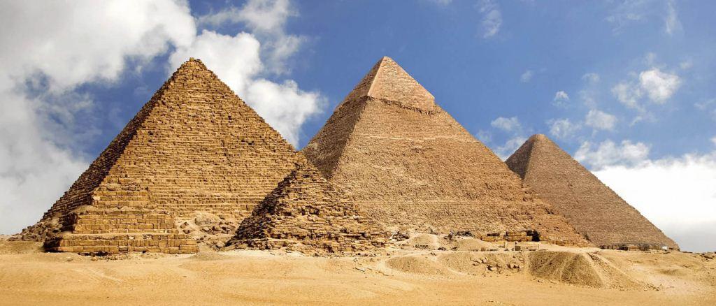Piramida di Mesir adalah salah satu keajaiban dunia yang merupakan makan raja-raja Mesir kuno