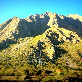 Paisagem Vistas do Trem para Aguas Calientes, no Peru