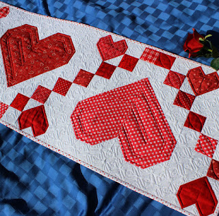 Heart-Valentine-Sweetheart-QuiltFabrication-Table-Runner