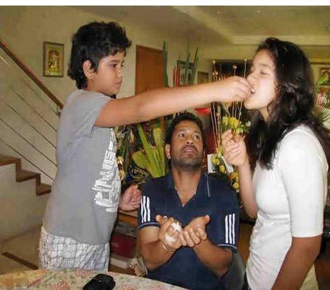 Sara Tendulkar with her brother Arjun Tendulkar, Sachin Tendulkar Kids photos, Sachin Tendulkar Family Photos
