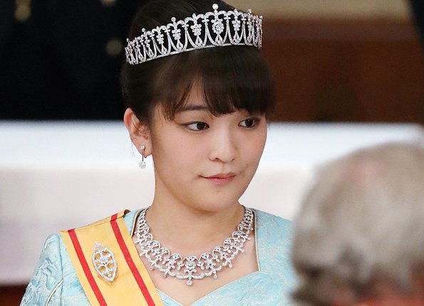Princess Mako is expected to marry next year to Kei Komuro. Prince Akishino and Princess Kiko. Royal wedding for Diamond tiara and necklace