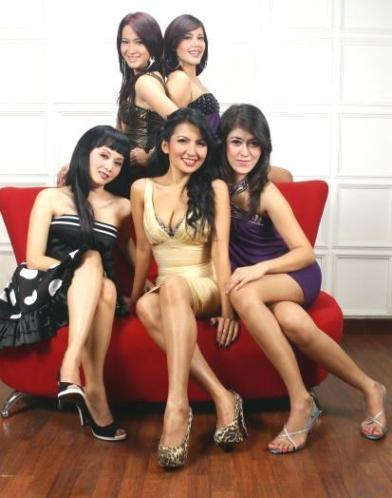 Janda-janda cantik dan seksi Indonesia