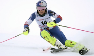 Lindsey Vonn suffers back injury in World Cup race after Trump comments