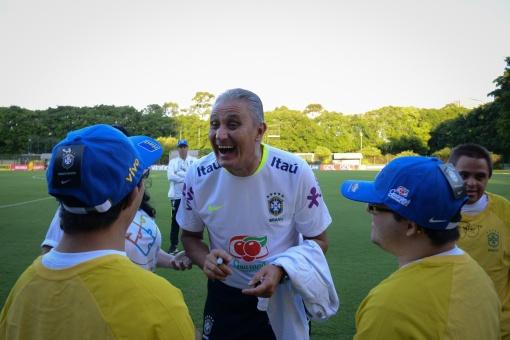 APAE de São Paulo e Seleção Brasileira celebram o Dia Internacional da Síndrome de Down