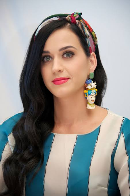 Katy Perry Black And Long hair Top Pictures