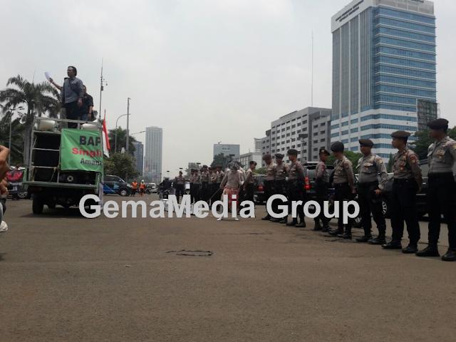 Gelar Pernyataan Sikap ATSDI Di Gedung DPR RI Segera Sahkan RUU Penyiaran