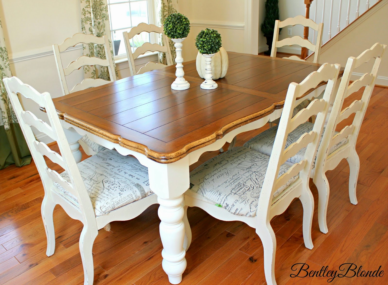 bentleyblonde diy farmhouse table dining set makeover with annie sloan chalk paint. Black Bedroom Furniture Sets. Home Design Ideas