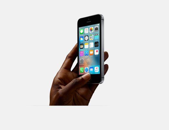 Presentato iPhone SE; si parte da 399$ 2