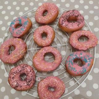 https://danslacuisinedhilary.blogspot.com/2014/03/donuts-pour-mardi-gras-mardi-gras-donuts.html