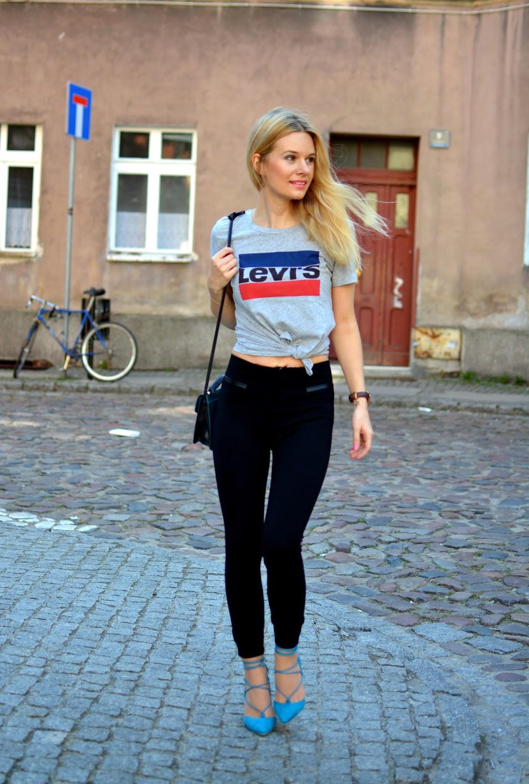 z wiązaniami, t-shirt, levis, poznan, stylizacja, bloger, klasyk, vintage, turkus