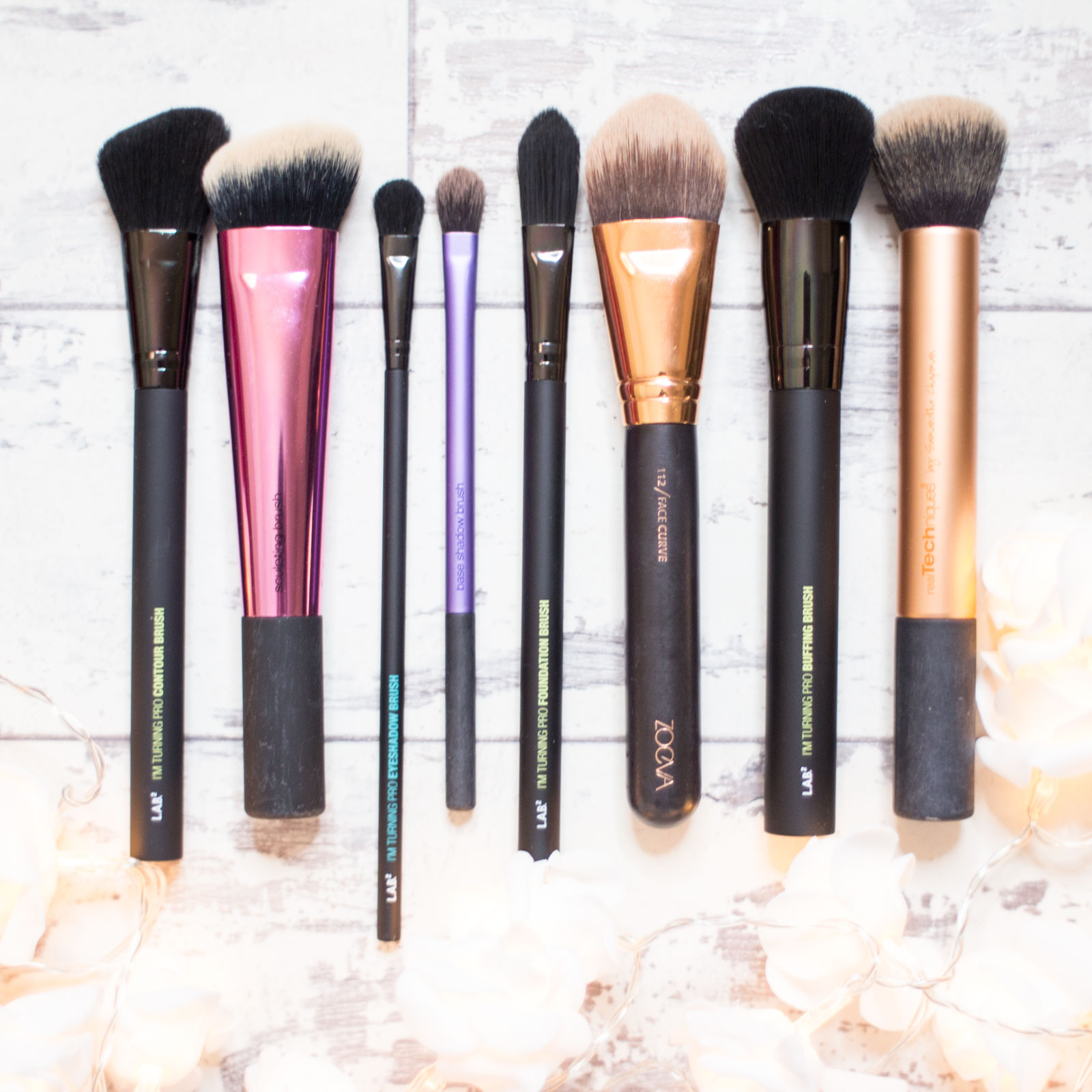 LAB2 Contour Brush vs Real Techniques Sculpting Brush, LAB2 Eyeshadow Brush vs Real Techniques Base Shadow Brush, LAB2 Foundation Brush vs Zoeva 112 Brush, LAB2 Buffing Brush vs Real Techniques Buffing Brush