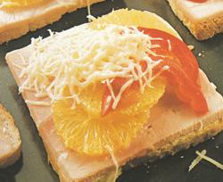 Pikantiški skrebučiai su sūriu ir apelsinais