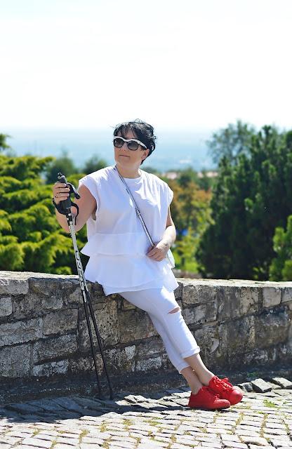 Biały - kolor, który kocha lato