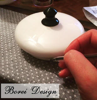 how-to-make-upcycled-sewing-container-organizer-kit-built-in-pin-cushion