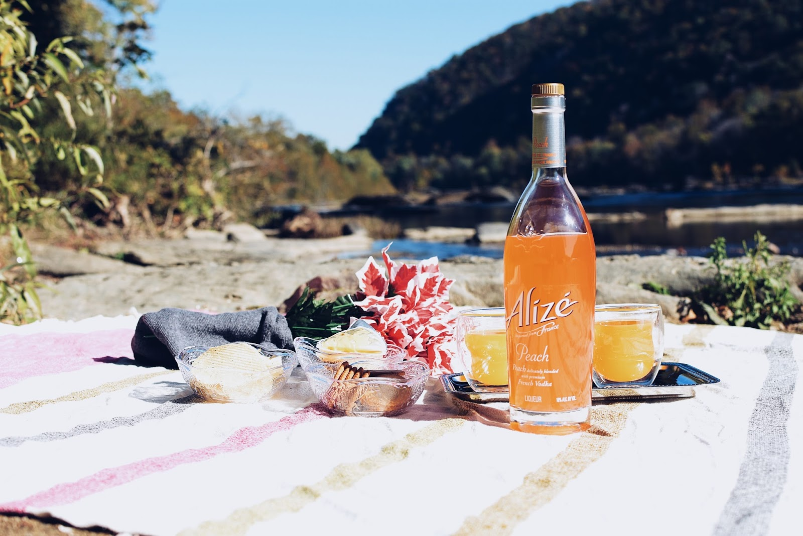 Two Cocktails and An Unforgettable Autumn Trip ft. Alizé by Mari Estilo